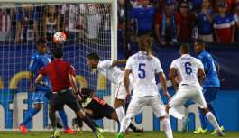 Dempsey helps USA to opening win